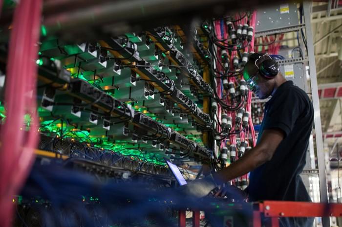 นักขุด Bitcoin เปลี่ยนเกมของพวกเขาทั้งในระยะสั้นและระยะยาว